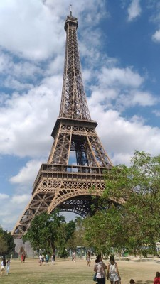 Eiffel_Tower_Paris_082318A
